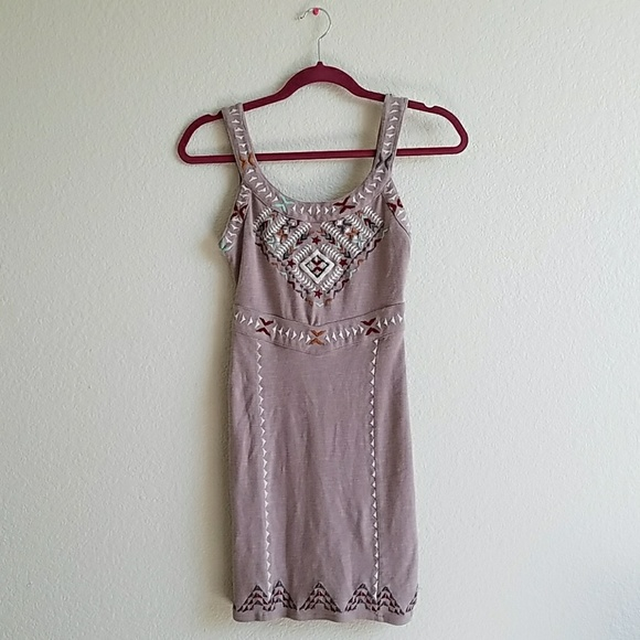 Free People Dresses & Skirts - FREE PEOPLE embroidered cutout back dress